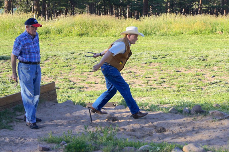 9331109570_d93f6fc244_b horn creek horseshoes